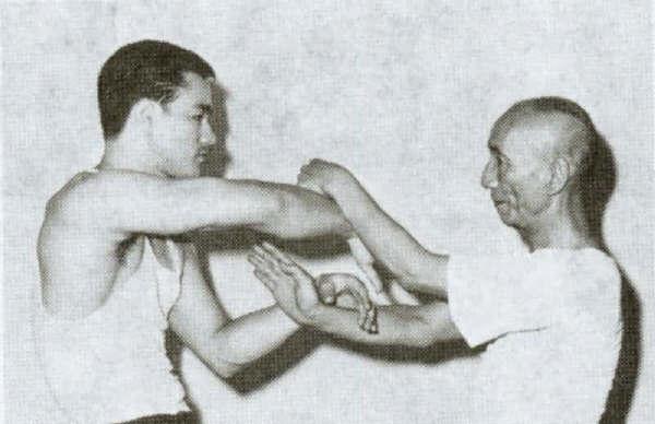 Bruce Lee Chi Sao